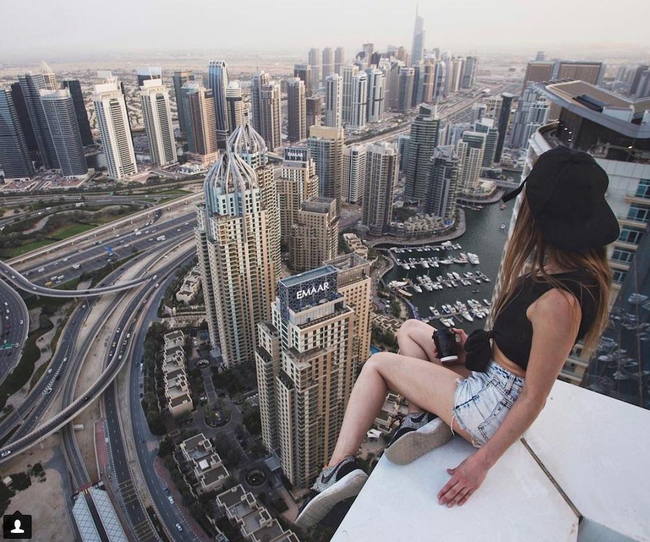Mania dei selfie estremi: pericolo o divertimento?